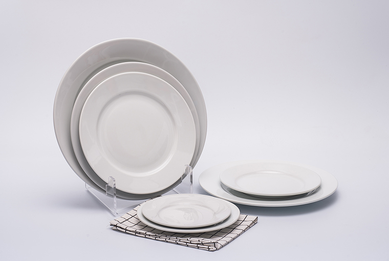 Great white plate with reinforced rim for hotel catering  2